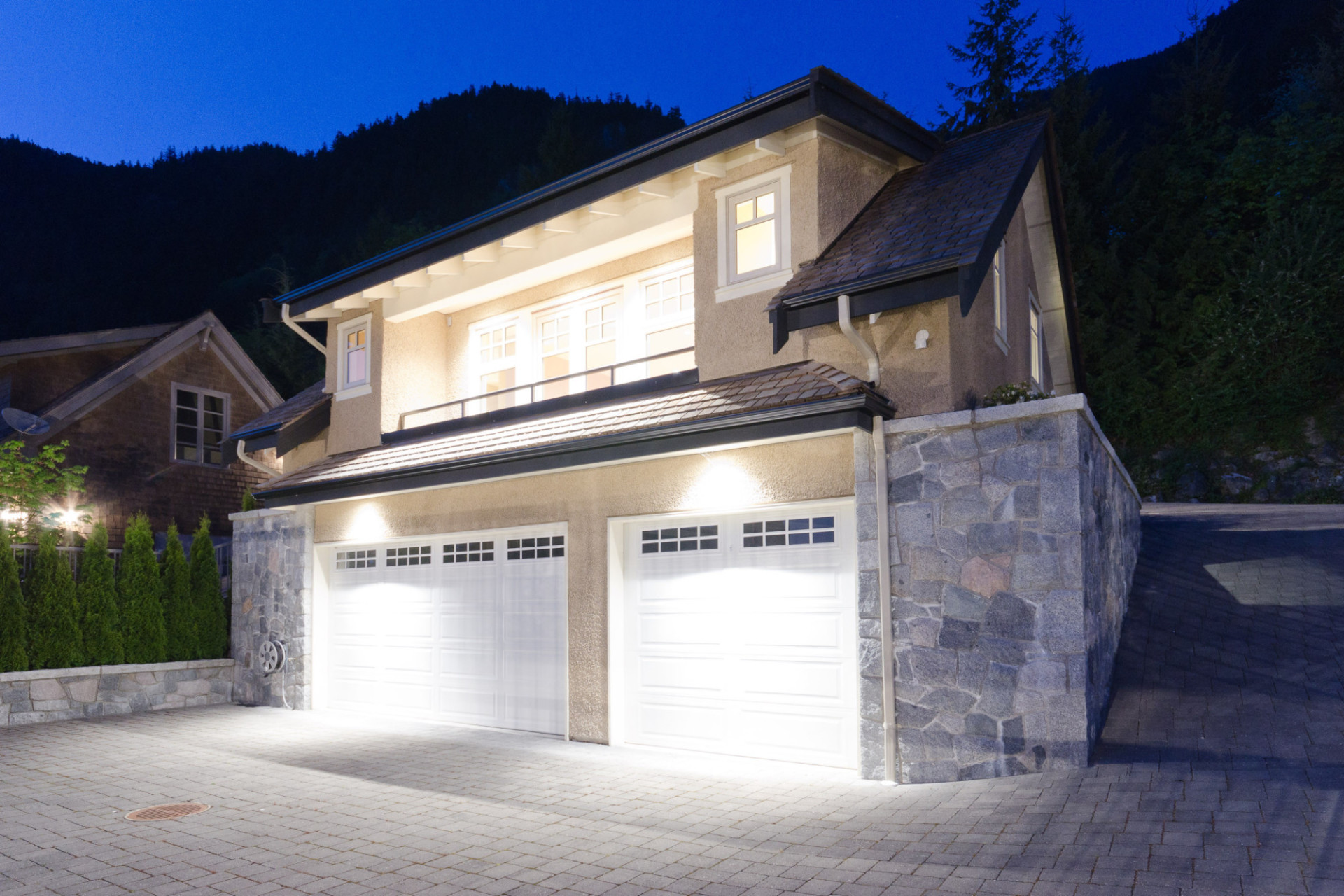 West Vancouver Waterfront Mansion!